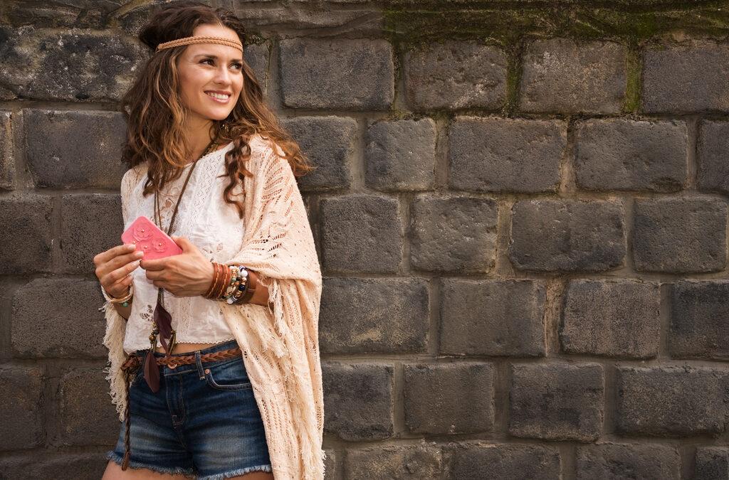 Le look hippie redevient-il tendance en 2021?